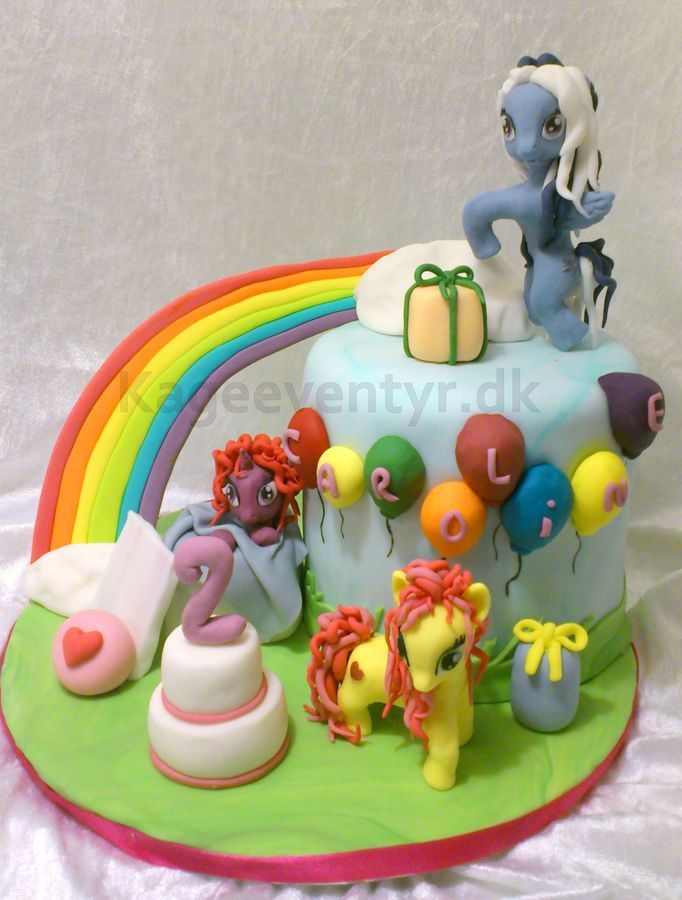 my little pony party on Pinterest  Little pony cake, My little pony ...