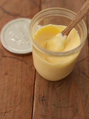 手作りマヨネーズ 卵黄 2個分 塩 小さじ1 サラダ油 1カップ 酢 大さじ2