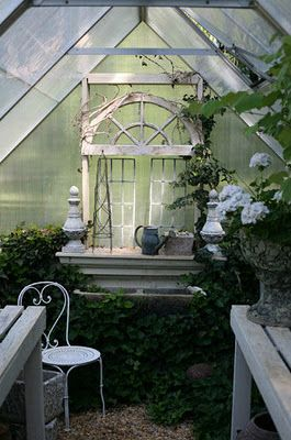 Best 25 Little green house ideas on Pinterest Small greenhouse
