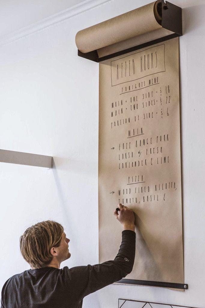 Un rouleau de papier kraft à accrocher au mur