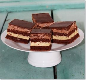 KAPUCÍNER SZELET Nem csak finom, és mutatós sütemény, de az ünnepi asztalon is megállja a helyét.