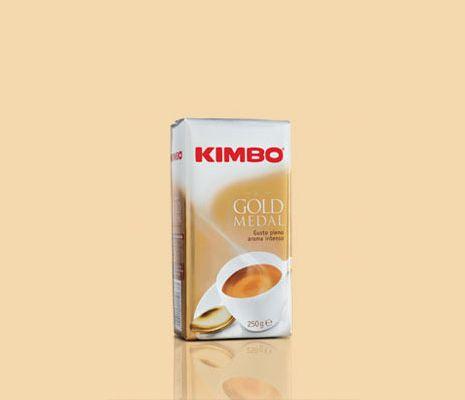 #Kimbo Gold Medal è una miscela di #caffè pregiati, provenienti in prevalenza dalle migliori piantagioni brasiliane, sapientemente tostati, per ottenere il giusto equilibrio tra aroma intenso, gusto pieno e rotondo.    Disponibile anche su www.kimbo.it/shop.