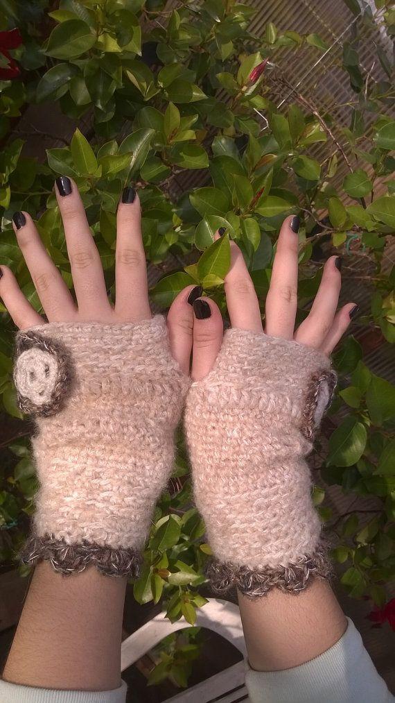 guanti in lana uncinetto . by tresogniintrecciati on Etsy