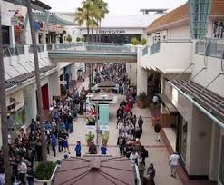 Fashion Valley Mall - https://www.topgoogle.com/listing/fashion-valley-mall/ - Embrace the coastal chic lifestyle at Southern California's trendiest destination, Fashion Valley. Accented by living succulent walls, gorgeous palm trees and iconic fountains, Fashion Valley is a must visit.  Visit more than 200 stores including international fashion houses like Hermès, Prada and Salvatore Ferragamo, leading department stores like Bloomingdale's, Macy's, Neiman