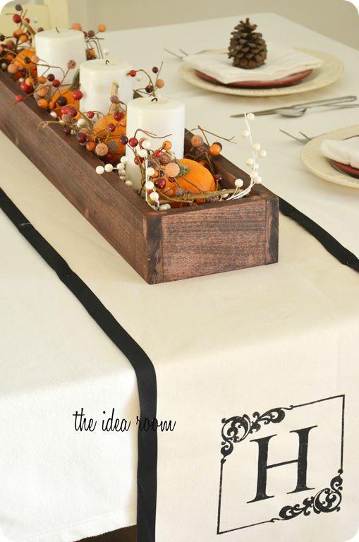 ぐんとお洒落になっちゃう♡テーブルランナーのある食卓   folk 出典:https://www.pinterest.com/pin/304133781062565223/