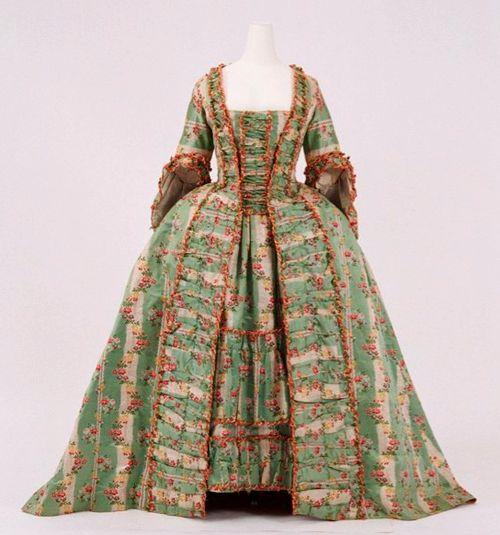 Robe à la Française, c.1770, Bunka Gakuen Costume Museum, via The Ornamented Being