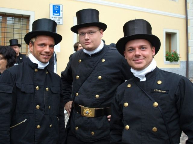 """Schornsteinfeger = German Chimney Sweepers!!!  If you see them it means """"viel Glueck!"""" = lots of luck"""