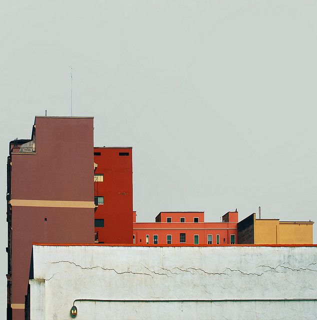urban color. especially love the burnt blue of the sky. feel the heat?