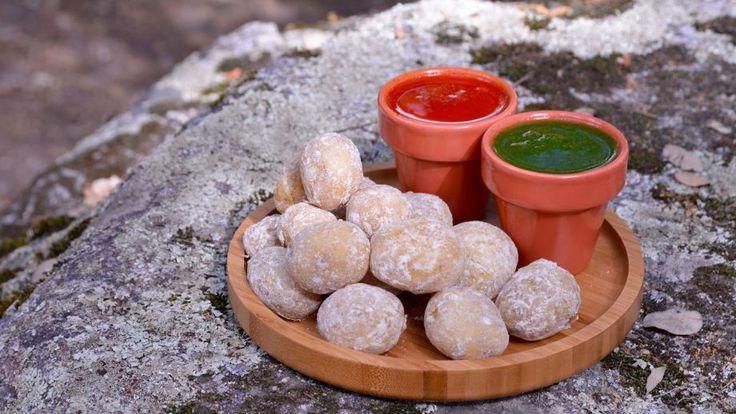 Patatitas canarias a la sal con mojo verde y rojo - Pablo Vicari - Receta - Canal Cocina