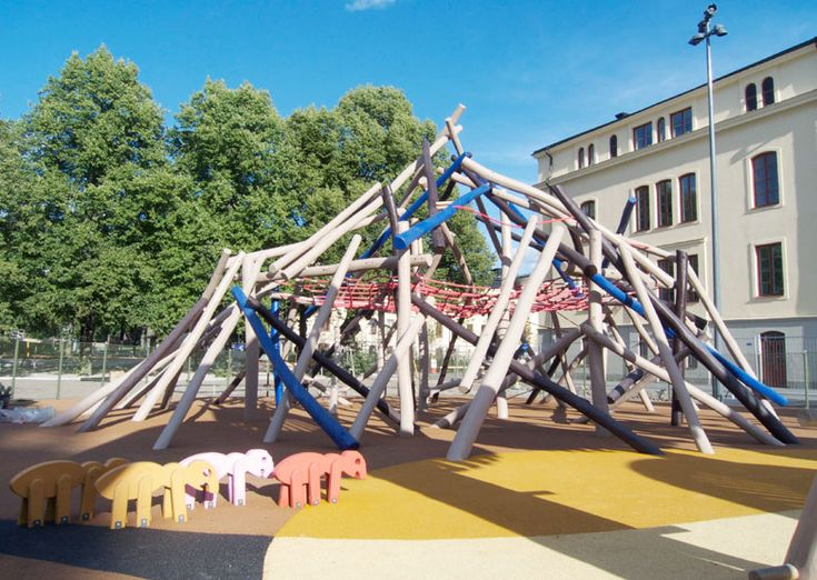 Stockholm Playground: All fun and games. www.vesleuniverse.com.