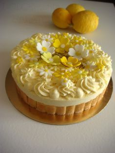 Torta charlotte con chantilly al limoncello