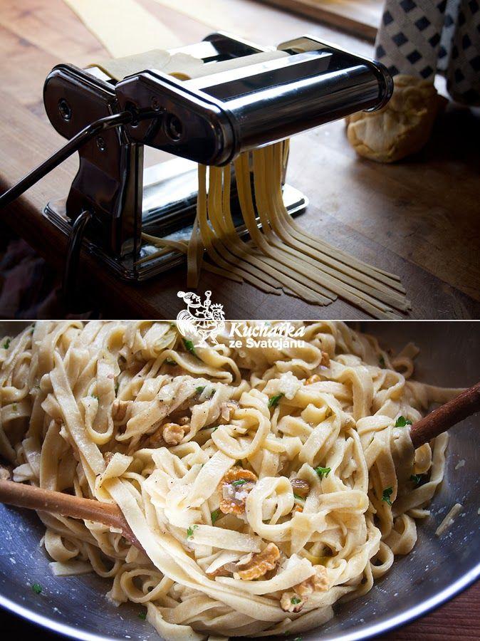 Kuchařka ze Svatojánu: DOMÁCÍ NUDLE S OŘECHY A HROZINKAMI