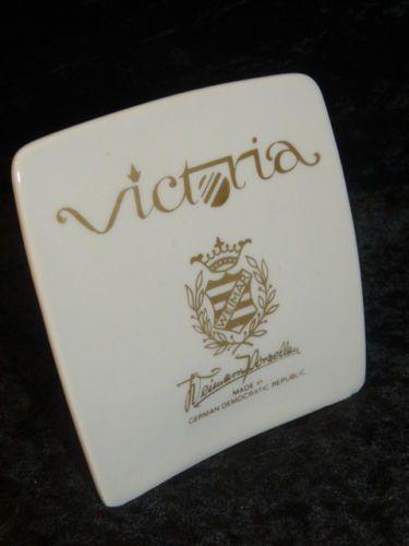 Weimarer-Porzellan-Victoria-Porzellanaufsteller-Aufsteller-Nr-H27