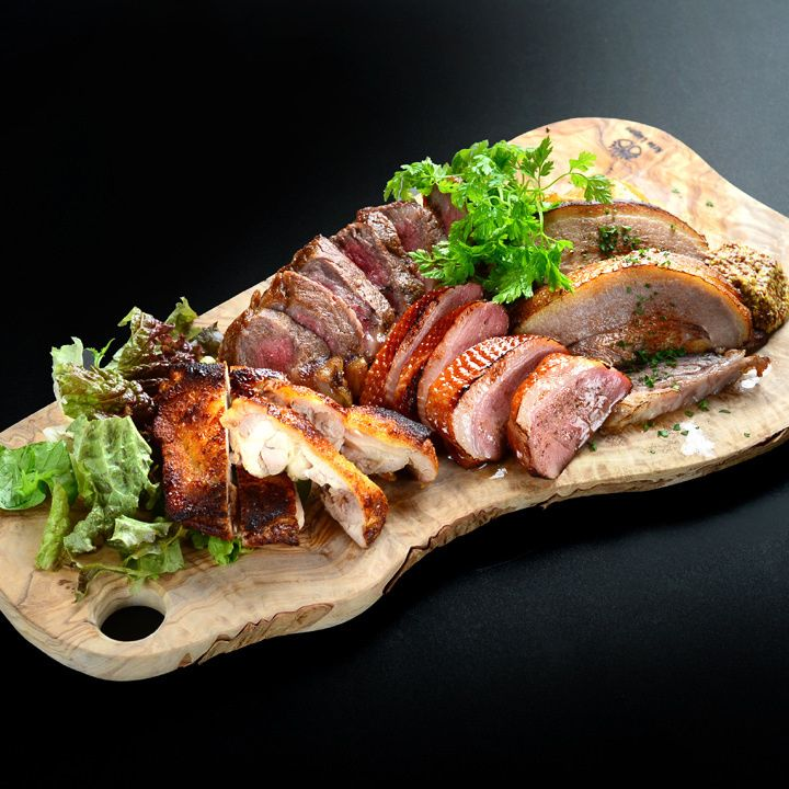 熟成肉バル ウッシーナ‐Meat Celler‐ 栄2丁目(愛知県/地下鉄名城・名港線矢場町駅,熟したお肉がお好き?)の写真情報です。ぐるなびなら詳細なメニューの情報や地図など、「熟成肉バル ウッシーナ‐Meat Celler‐ 栄2丁目」の情報が満載です。大幅リニューアルOPEN !! 自家製タパスALL300円〜コスパ激高◎ ◆肉のオールスター盛り宴会コース飲み放題付3500円〜 お洒落なソファー席有♪貸切は最大80名様迄OK,熟成肉バル ウッシーナ‐Meat Celler‐ 栄2丁目のウリ:熟成肉 ステーキ 肉,肉バル 女子会 宴会,伏見駅 記念日 個室