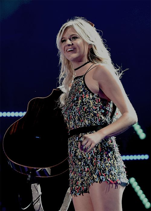 Kelsea Ballerini performs onstage during 2016 CMA Festival - Day 1 at Nissan Stadium on June 9, 2016 in Nashville, Tennessee.