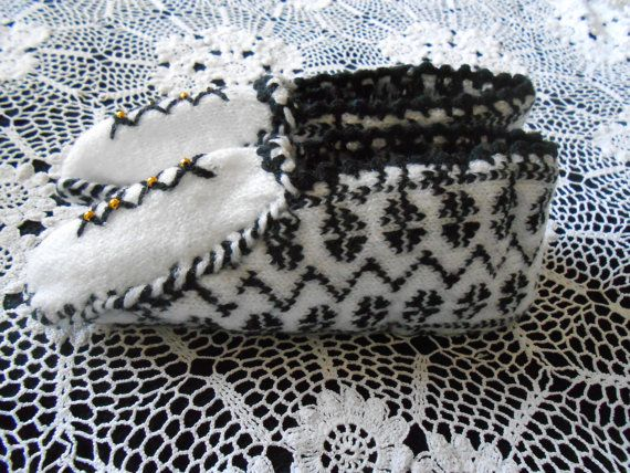 Hand Made Knitted Black and White Anatolian Turkish Slippers/House-Bed Socks