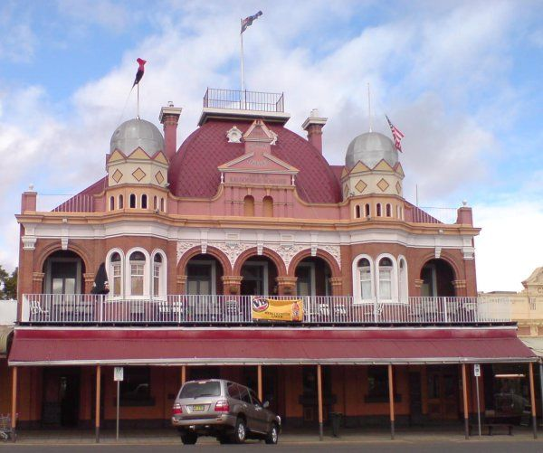 York Hotel, Kalgoorlie. One of the many old world pubs on offer in the Goldfields!
