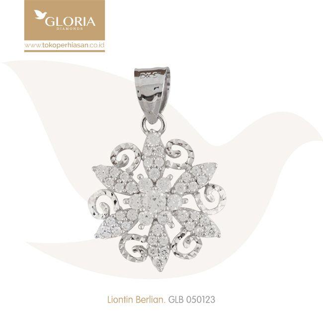 Liontin Emas Bentuk Bunga Ukiran Mata Cubiz Zerconia. #goldpendant #goldstuff #gold #goldjewelry #jewelry #pendant #perhiasanemas #liontinemas #tokoperhiasan #tokoemas
