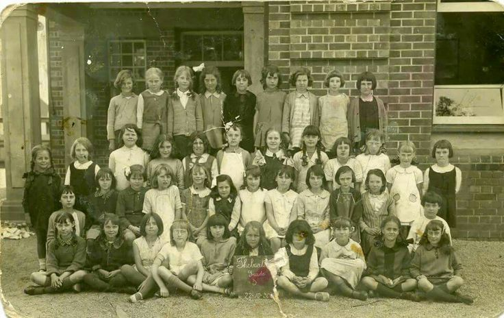 Thebarton Primary School.... South Australia.  .... Vintage Photo.