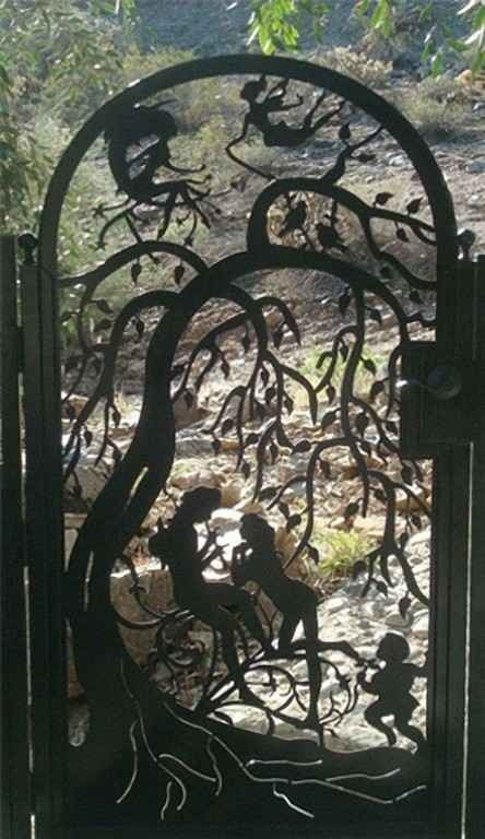 Lovely Fairy garden gate... sooo beautiful.