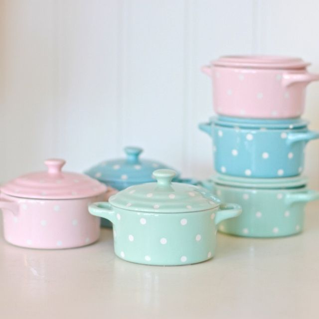 Cherry Menlove - Spotted Dish Set, £10.99 (http://www.cherrymenlove.com/spotted-dish-set/)