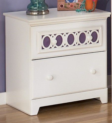 Best Zayley Two Drawer Nightstand White Ashley Furniture 400 x 300