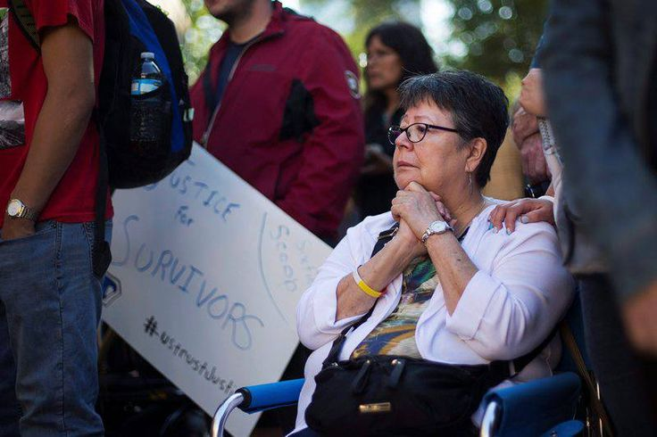 On August 23, 2016, an Ontario Superior Court judge heard opening arguments for a class action lawsuit against the federal government by 60s Scoop survivors. Outside the courtroom, survivors and supporters rallied together.