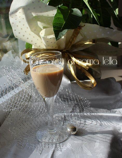 BAILEYS fatto in casa I manicaretti di nonna Lella http://blog.giallozafferano.it/graziagiannuzzi/baileys/
