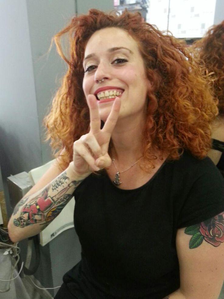 Deme es maquilladora y estilista en el salón de Gracia. Fantástica como persona y profesional . #equipo #blue01