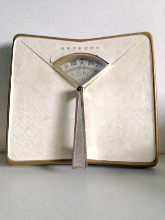 Pic On Detecto Midcentury White Bathroom Scale by EnvisioningVintage