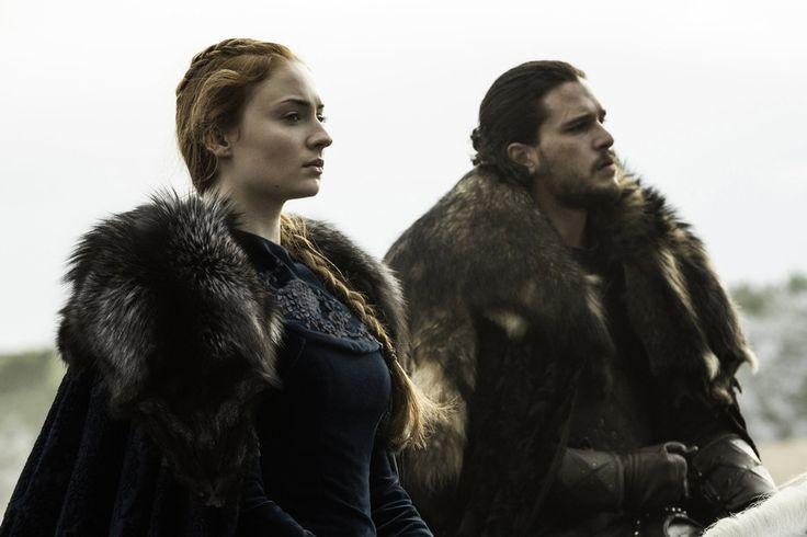 """Bald ist es wieder soweit, die neue Staffel """"Game of Thrones"""" wird am 16.7.2017 starten. Hier könnt ihr das neue Plakat, sowie das Plakat von der Fangemeinde anschauen."""