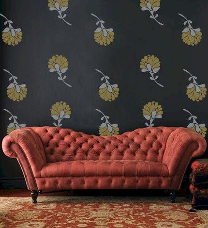 Delightful Old Fashioned Couch