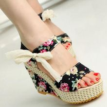 Shoes Women 2017 Summer New Sweet Flowers Buckle Open Toe Wedge Sandals Floral high-heeled Shoes Platform Sandals(China (Mainland))