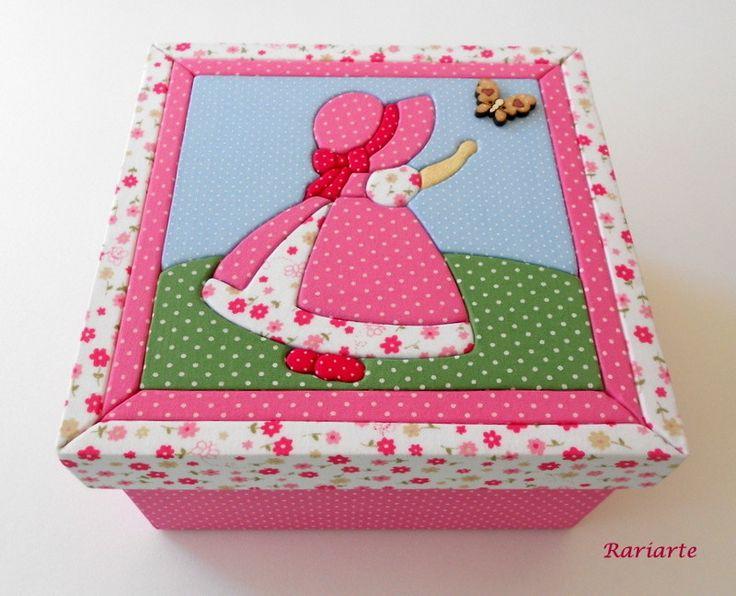 Patchwork Embutido em caixa de MDF forrada interna e externamente com tecido.  Diversas cores, tamanhos e modelos.