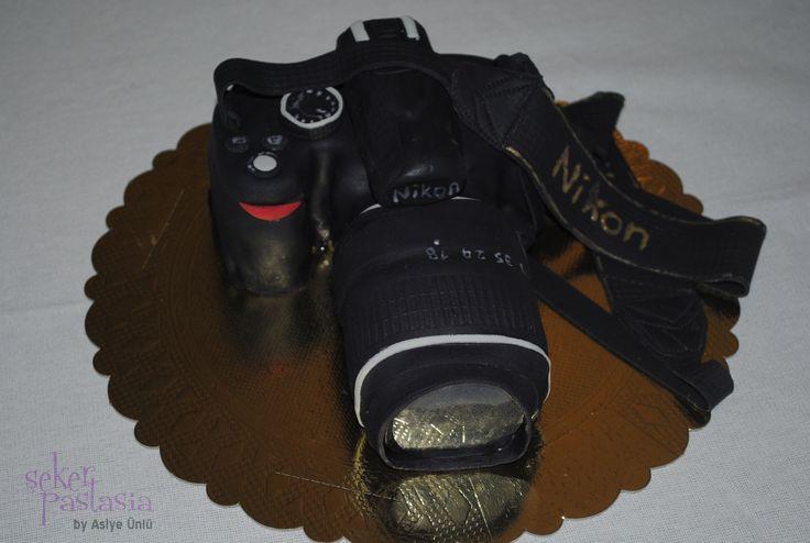 Nikon D3000 Fotoğraf Makinası