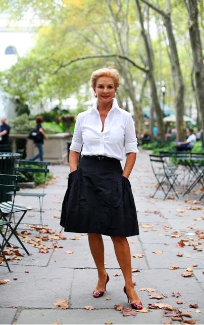 """Hay pocas cosas tan """"chic"""" como una mujer con una camisa blanca impecable. En este caso la diseñadora que más ha impuesto este clásico, llevándola incluso al mundo de la """"etiqueta"""". @Carolina Herrera #carolinaherrera"""