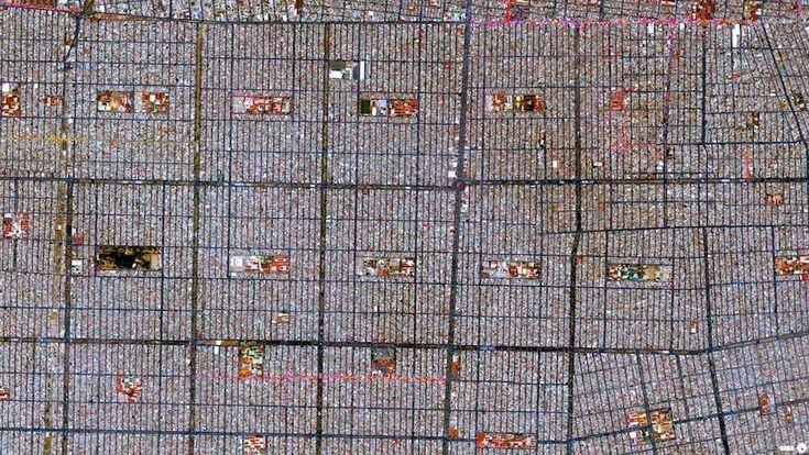 Ciudad Nezahualcóyotl, Messico Ciudad Nezahualcóyotl, che fa parte dell'area metropolitana di Città del Messico. Si estende su una superficie di 63 chilometri quadrati e ospita più di un milione di persone. 19°24′00″N 98°59′20″W