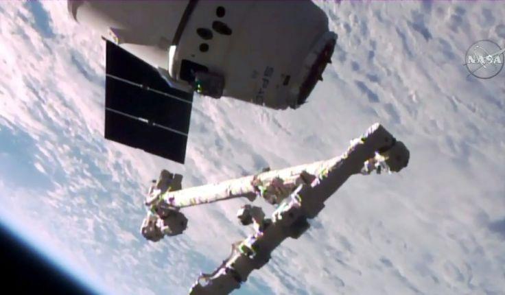 """La capsule """"recyclée"""" Dragon de la société SpaceX arrivée à l'ISS - Sciences et Avenir"""