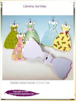 Preciosa libreta con forma de vestido de niña y percha. Se sirven el colores surtidos.      Un bonito detalle para regalar en tu comunión ¡¡¡¡