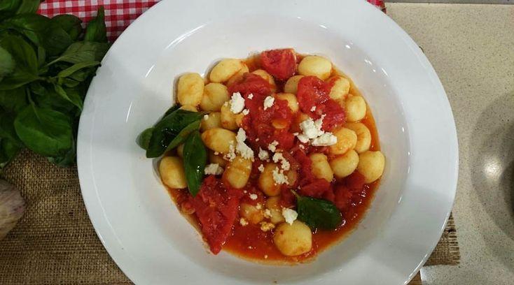 Ñoquis con salsa pomodoro y nduja por Julieta Oriolo