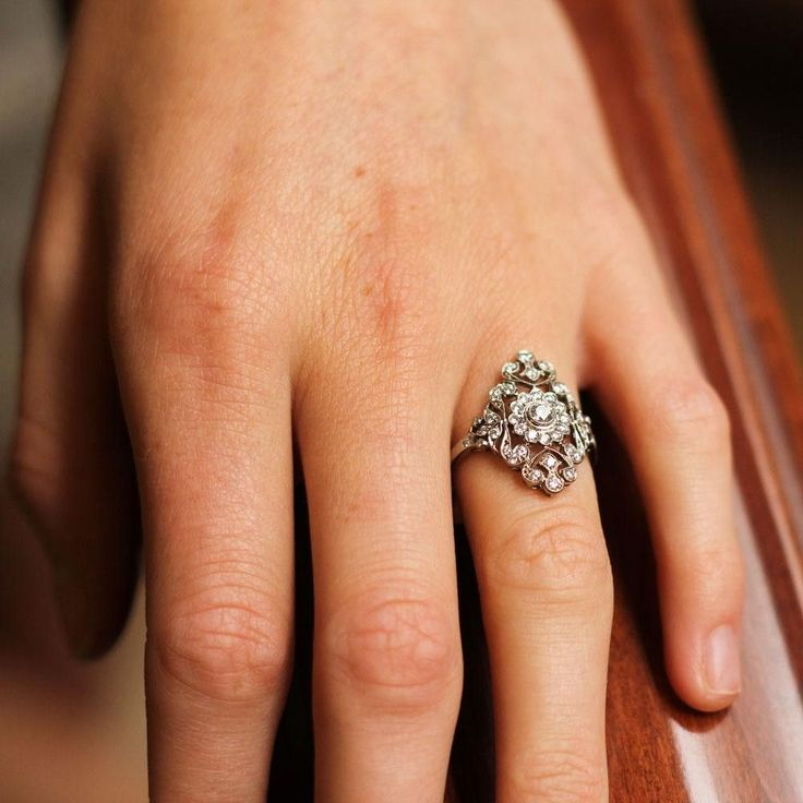 Holy cow this is stunning. Omg, probably my favorite this far. Imagine it with green to blue shades of sapphires! gah!