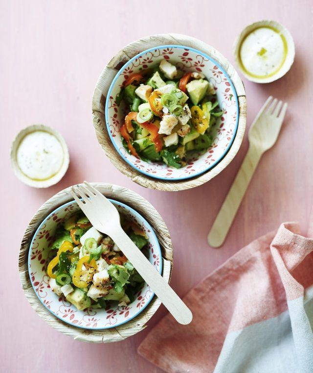 Valmista helppo peruna-broilerisalaatti edellisen päivän ruoan jämistä. Tällä salaatilla maha täyttyy takuuvarmasti.