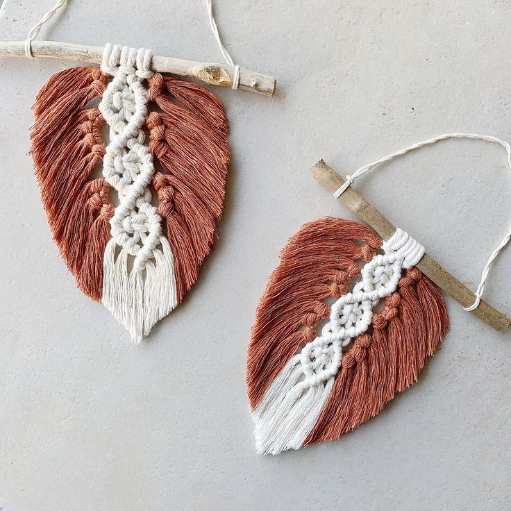 Décoration petite plume en macramé BOHO en coton naturel. plume à suspendre au mur. Modern art ...