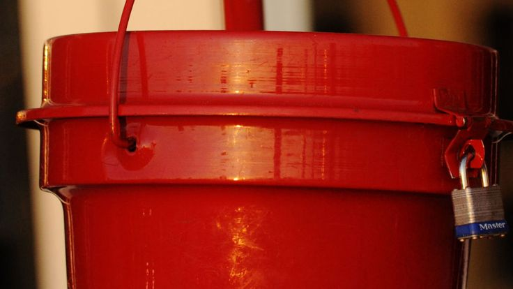 Salvation Army red kettle stolen outside Aviation Mall - Glens Falls Post-Star