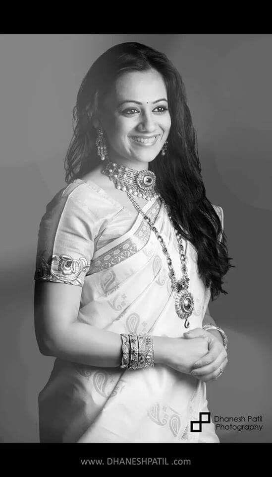 Spruha joshi marathi actress