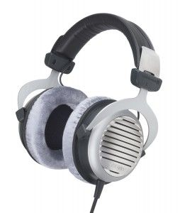 The Beyerdynamic DT 990 Premium 250 Ohm Headphone is a headphone for enthusiasts and will please you with the best sound and comfort. Making use of high-quality material and the distinctive design underline the standard of a high end model. This headphone is still handcrafted in Germany warranting a high quality