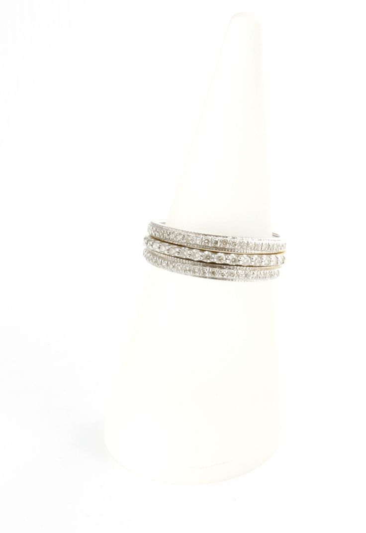 We have simply stunning wedding bands here at Dallas Diamonds in Mesquite.