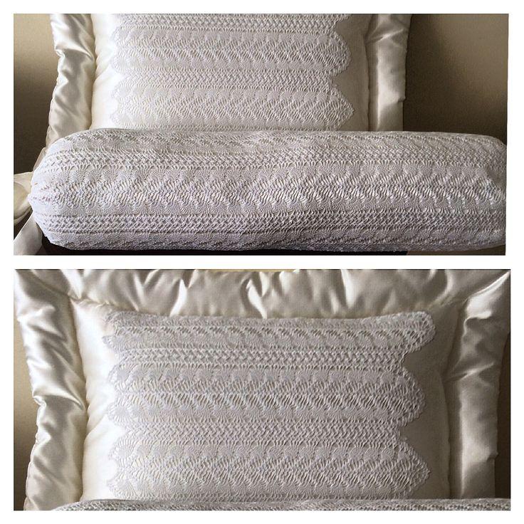 El işi dantel yastıklar