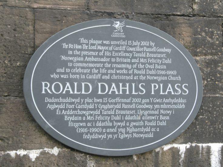 Plaque commemorating Roald Dahl