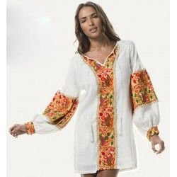 kaftan con bordados by Luna Maga